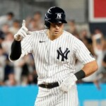 Yankees: Joey Gallo hits HR and a fan brings out the Italian flag at Yankee Stadium